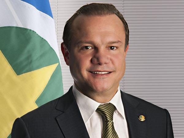 Resultado de imagem para Wellington Fagundes é senador da República