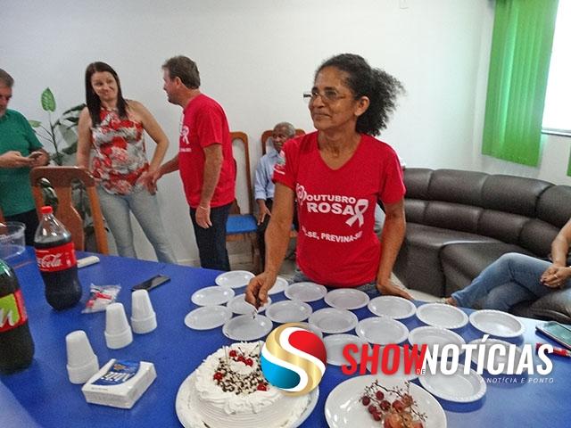 Servidores da Câmara de Juara comemoram aniversário de Amara Moreira com festa surpresa.