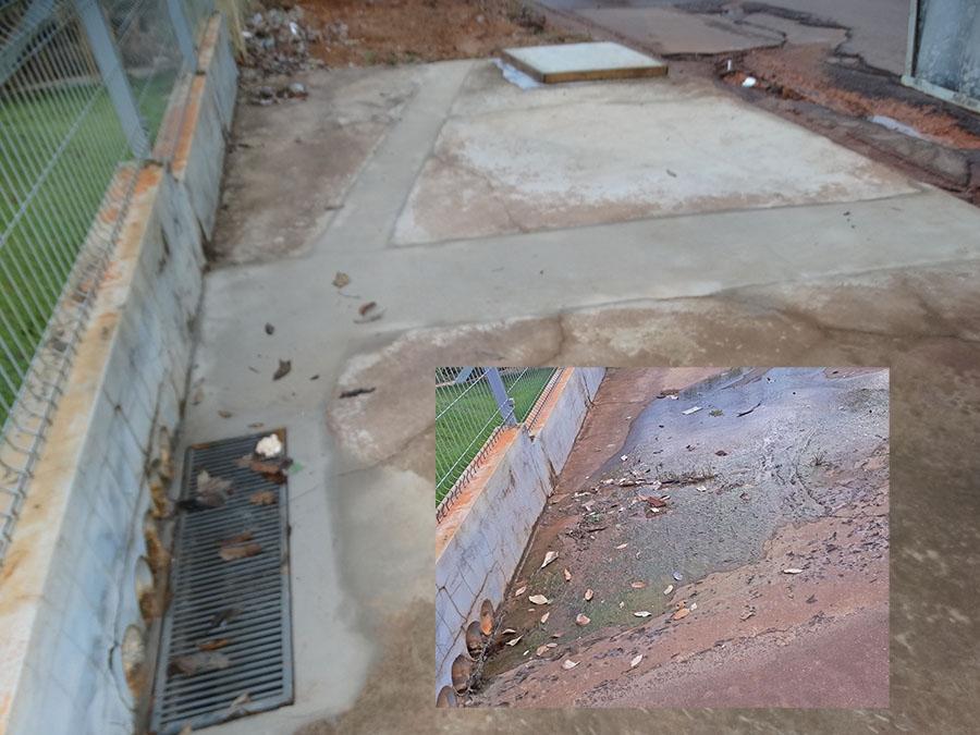 Faro Fino mostrou e empresa resolveu problema de água na calçada