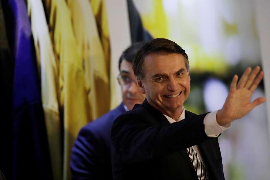 Governo Bolsonaro tem 39% de avaliação positiva, diz CNT/MDA