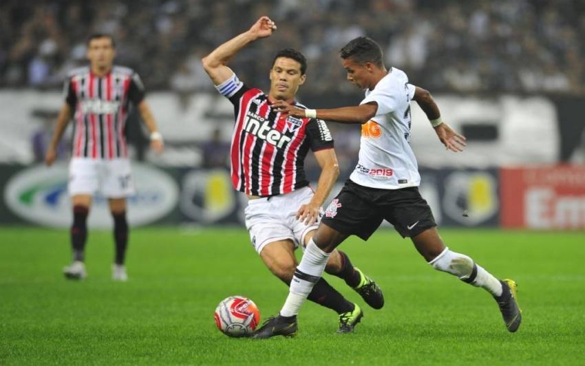 Com vaga sob risco, São Paulo terá Corinthians como fiel da balança