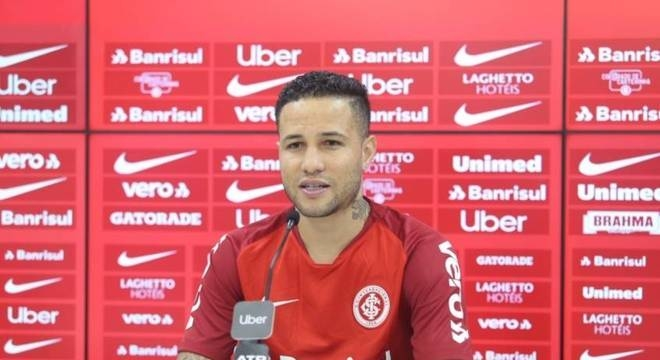 Bruno destaca força do Internacional para buscar classificação no Gaúcho