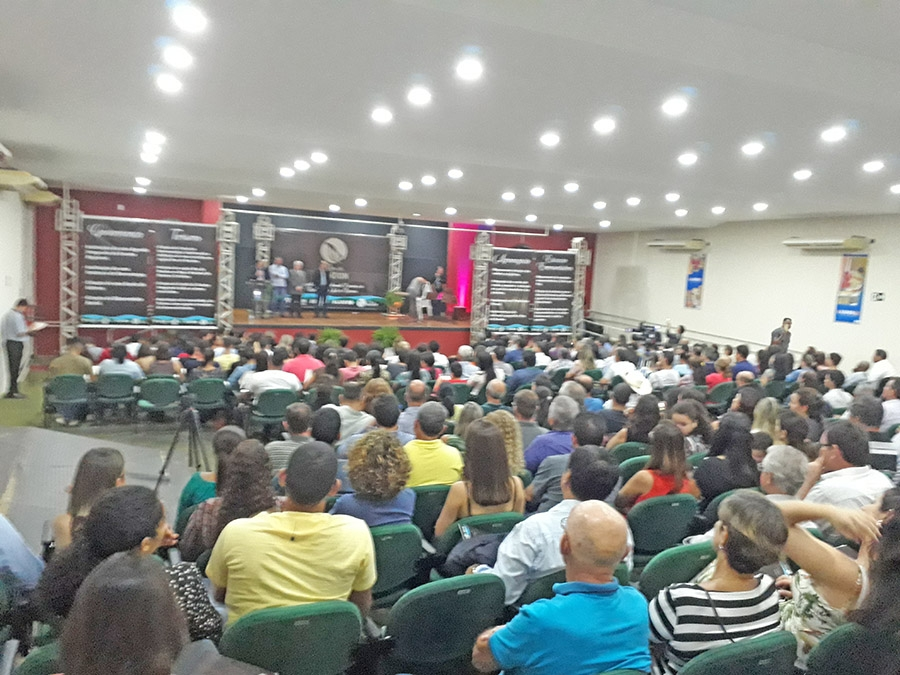 Sicredi participa do Encontro de Desenvolvimento da Região Centro Leste de Rondônia em Pimenta Bueno.