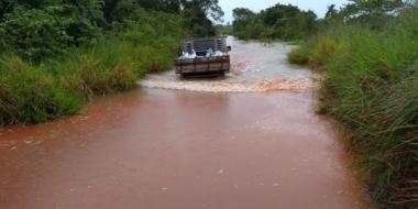 Chuvas causam atoleiros, derrubam pontes e alagam estradas do interior de Juara