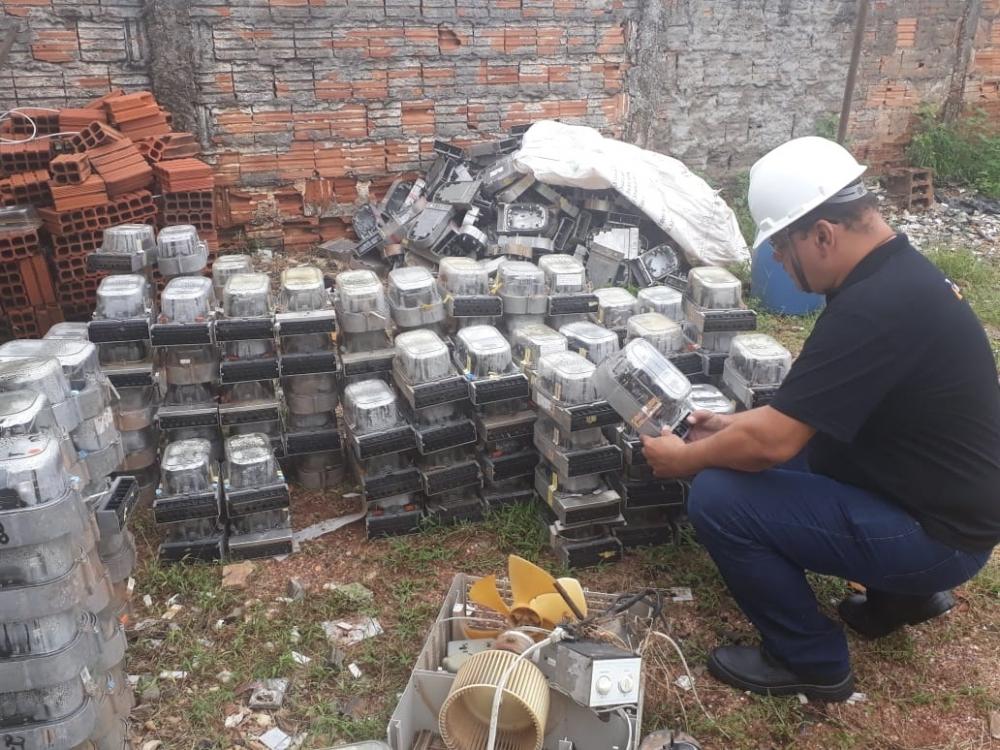 Polícia Civil apreende cerca de 430 medidores de energia e prende 3 por furto na Capital