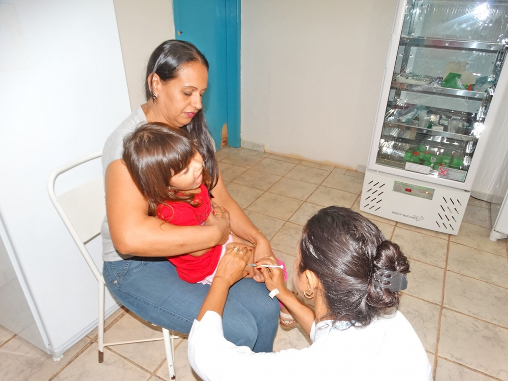 Campanhas de vacinação protegem população de doenças graves como poliomielite e rubéola