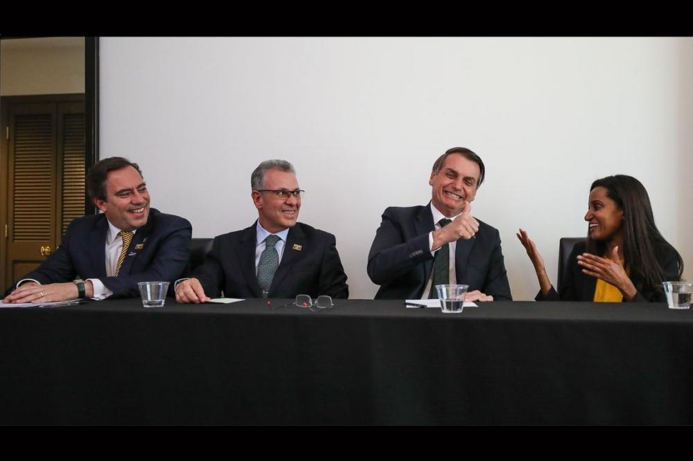 Bolsonaro quer diminuir espera por pequena central hidrelétrica