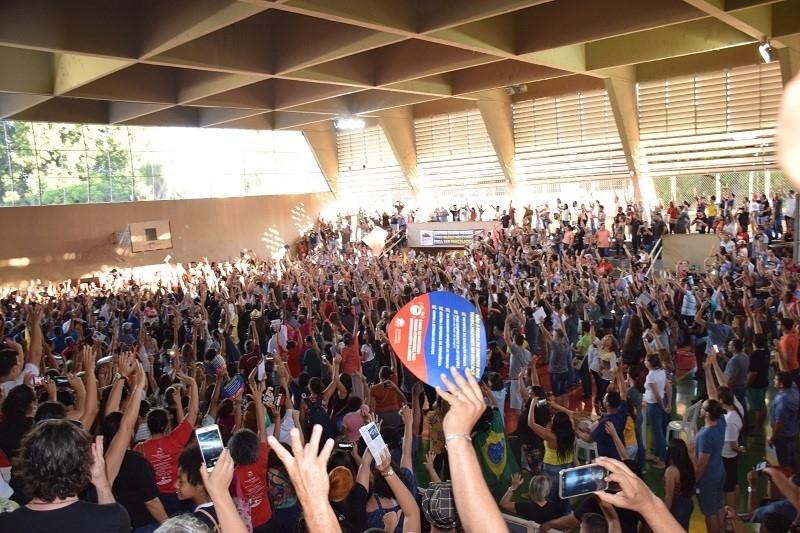 Profissionais da rede estadual de Educação deflagram greve por tempo indeterminado a partir do dia 27