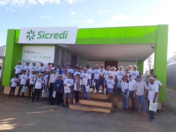 Caravanas de Associados Sicredi visitam o Rondônia Rural Show A maior feira de agronegócio da região Norte