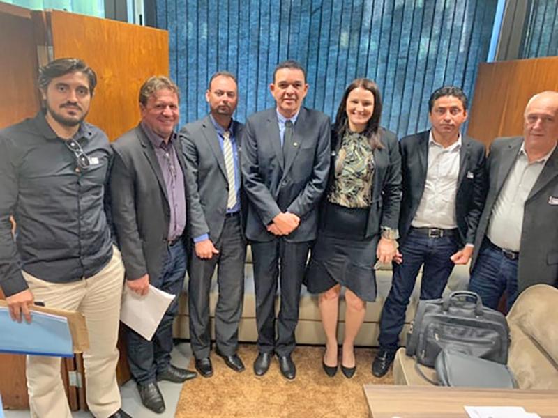 Vereadores e prefeito de Juara buscam apoio dos deputados em Brasília.