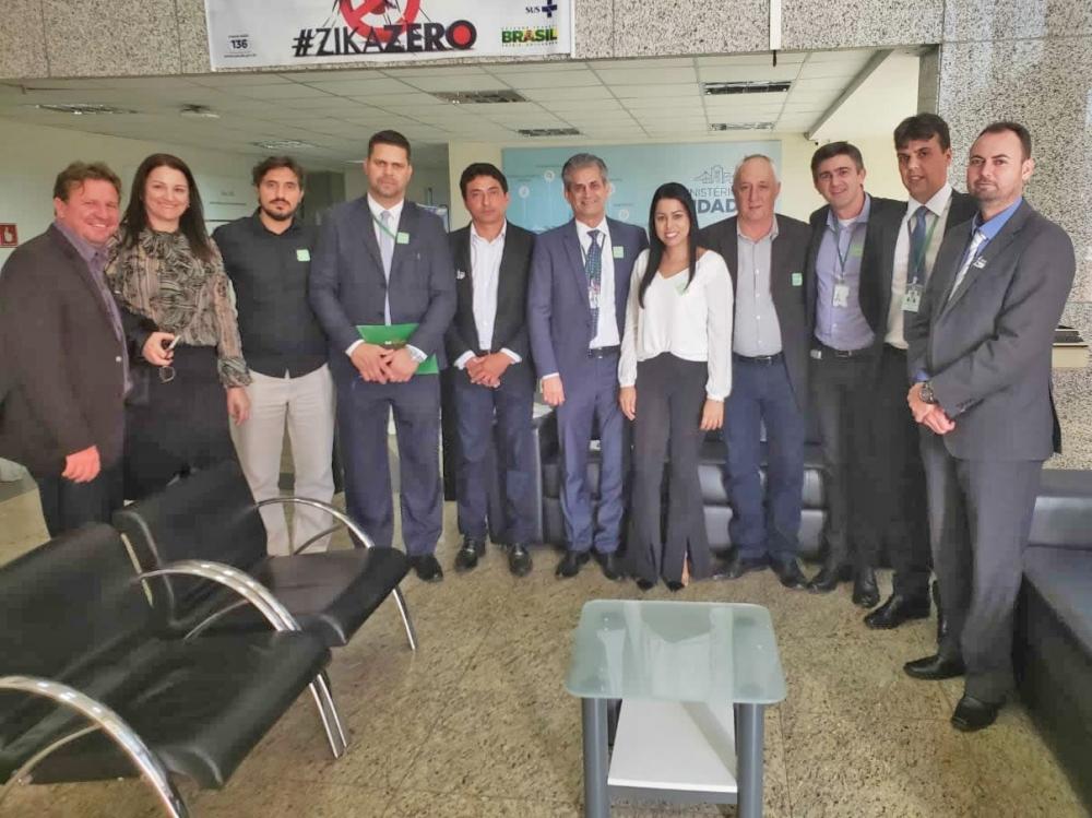 Vitória de Juara: prefeito e vereadores conseguem compromisso para prorrogação de convênio de pavimentação asfáltica.
