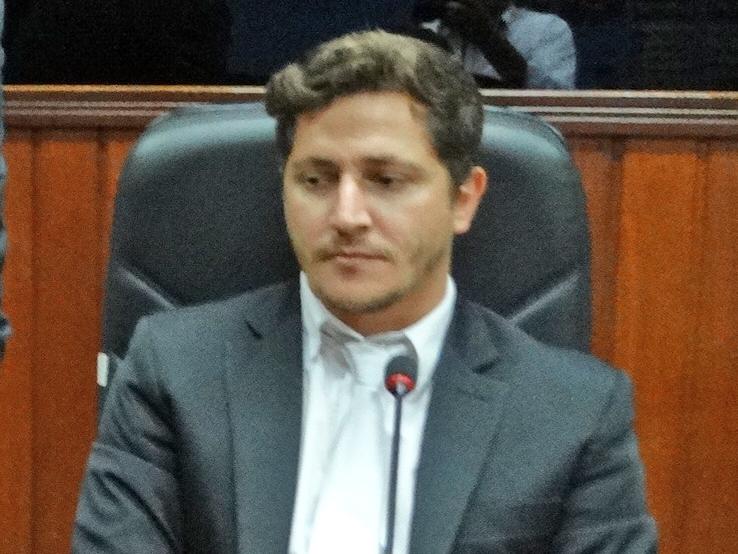 Vereador Flavinho pede melhorias no Ginásio de Esportes Mauricio Venâncio