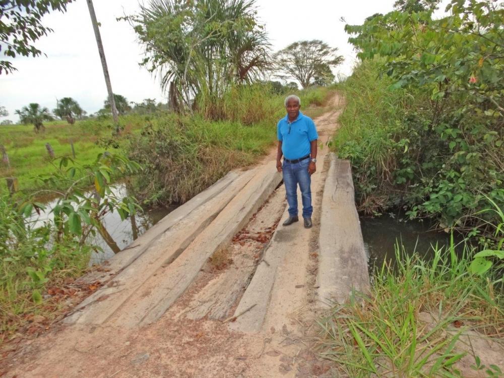 Vereador Hélio Castão cobra melhorias na estrada da Água do Abelha e Assentamento Água Boa