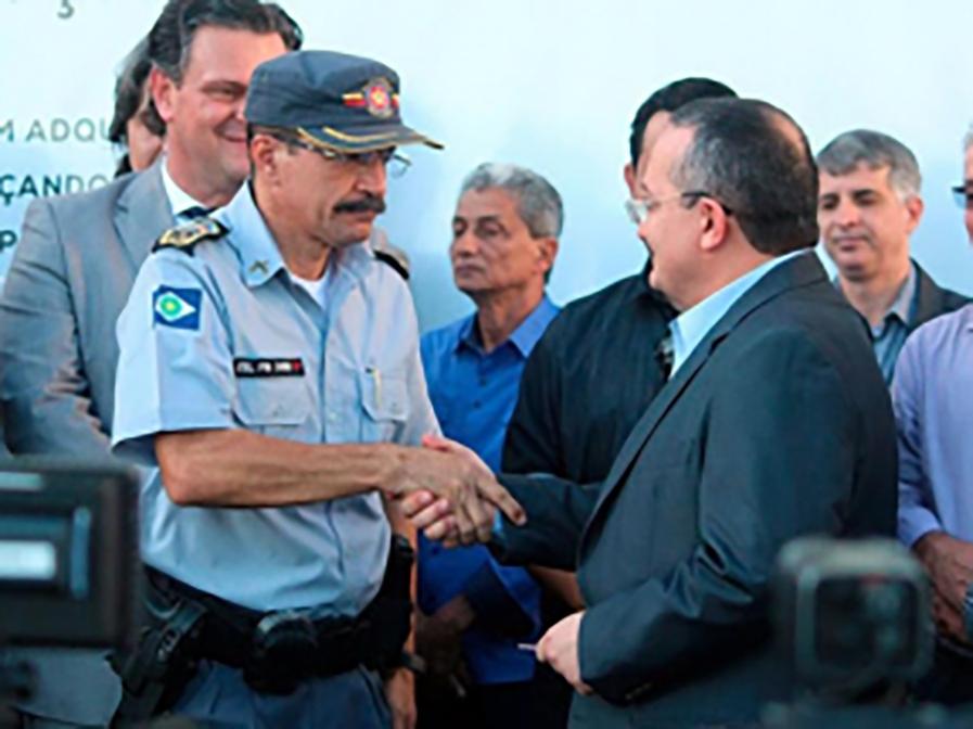 Coronel delata Pedro Taques e o acusa de usar grampos para barrar Riva no TCE