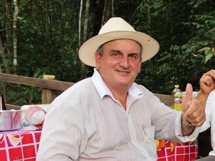 Ex-prefeito de Tabaporã é condenador a devolver dinheiro por fazer calçada particular com dinheiro público