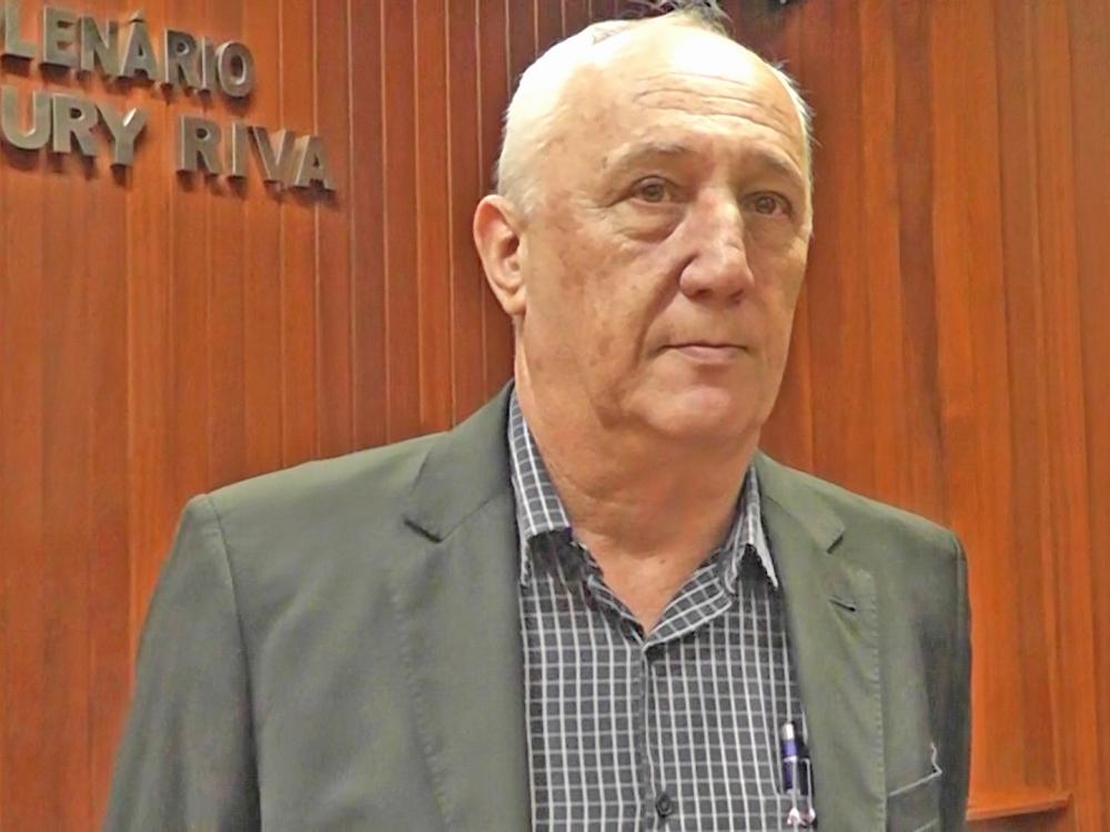 Prefeito Carlos Sirena presta contas aos vereadores do seu primeiro ano de mandato.