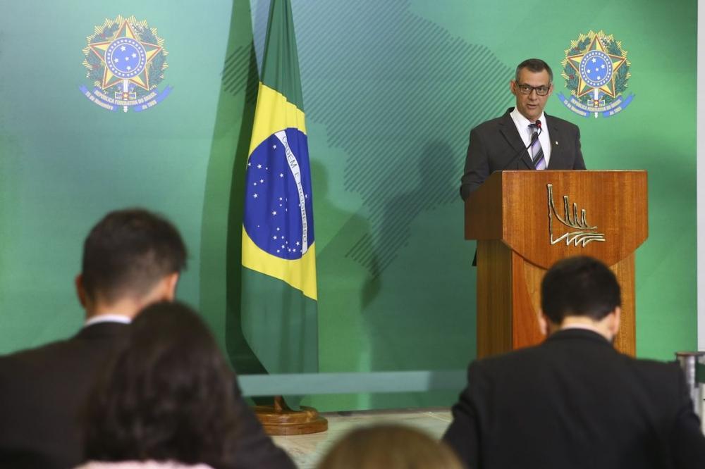 Governo quer autonomia para gerir doações para Amazônia