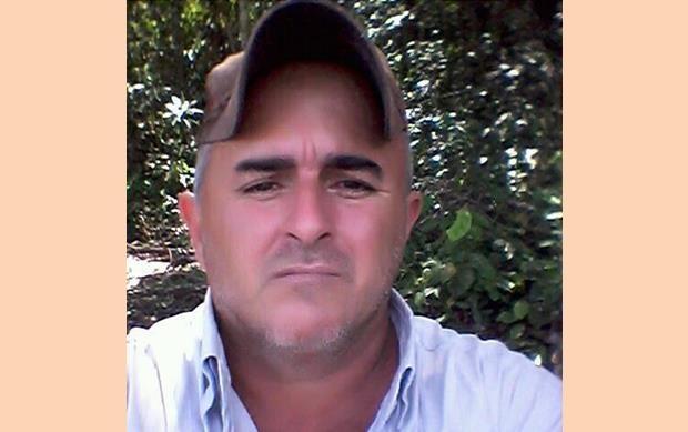 Homem é encontrado morto com sinais de tiros dentro de veículo em Tabaporã.