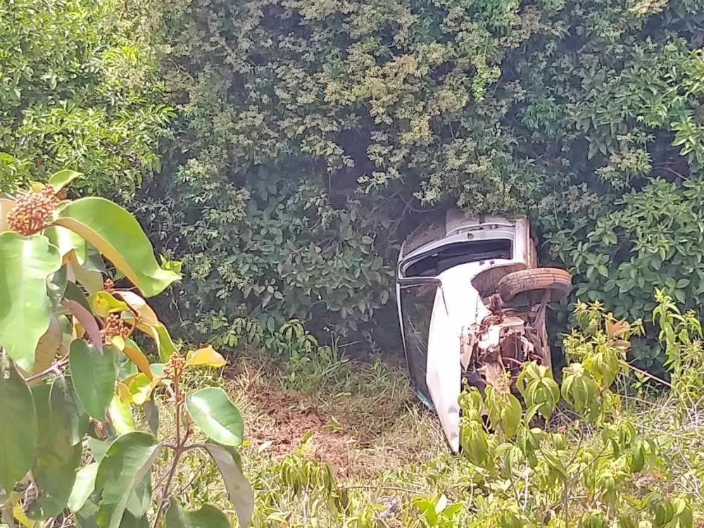 Homem de 49 anos capota em acidente na MT 338, próximo a Porto dos Gaúchos