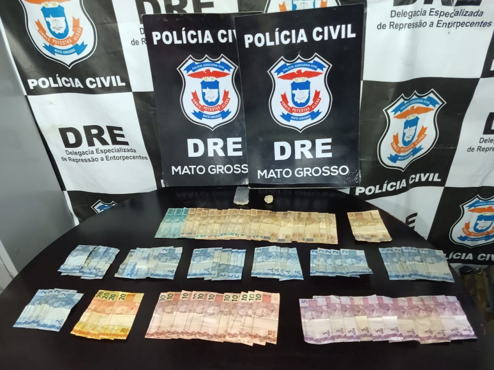 Policiais civis cumprem buscas e prendem suspeito por tráfico no bairro Bela Vista