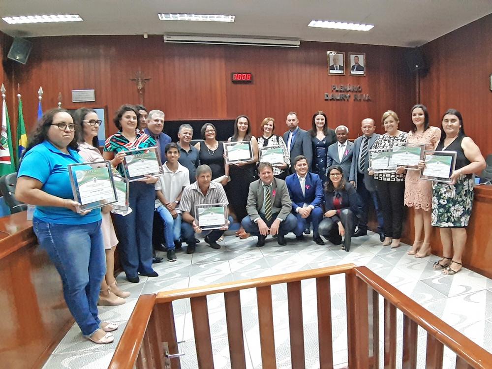 Diploma Professora Elaine Silvana de Matias Alves