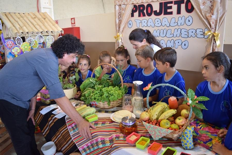 Mostra Pedagógica apresenta vários projetos do Programa A União Faz a Vida em Juína