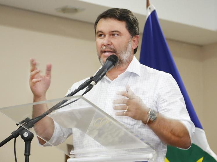 Projeto de Oscar Bezerra que pede afastamento de professor investigado por pedofilia é aprovado em comissão na AL