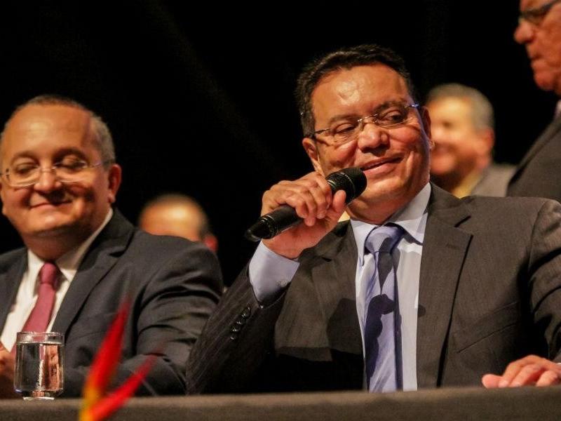 Mauro publica 'contrato secreto' de R$ 5,7 mi da era Taques com empresa da família Botelho