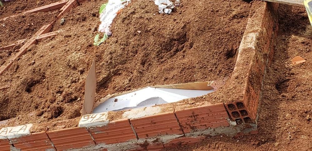 Corpo de mulher é encontrado fora do túmulo em Gravataí: 'Apavorante', diz irmã