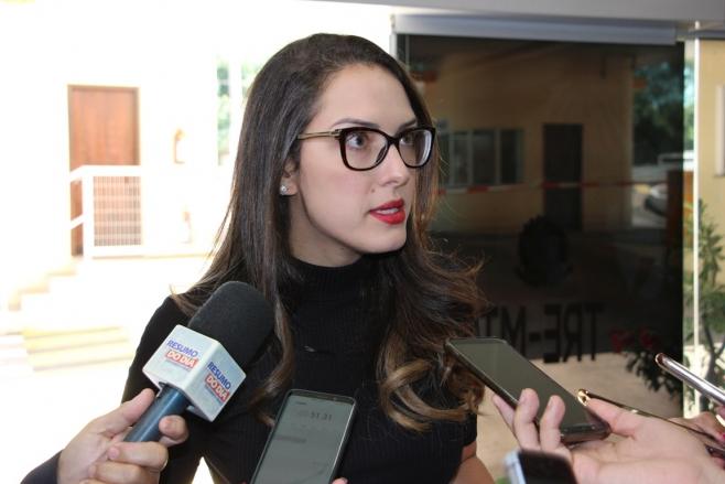 GRÁVIDA DE GÊMEOS: Janaína Riva perde um dos bebês e pede orações pelo segundo filho