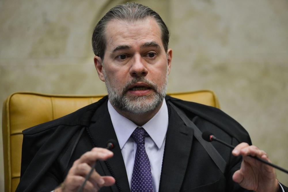 Presidente do STF determina que Carlos Fávaro assuma a vaga de Selma Arruda