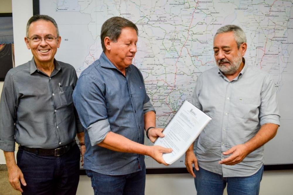 Governo recebe primeira proposta para pavimentação de rodovias por meio de PPPs sociais