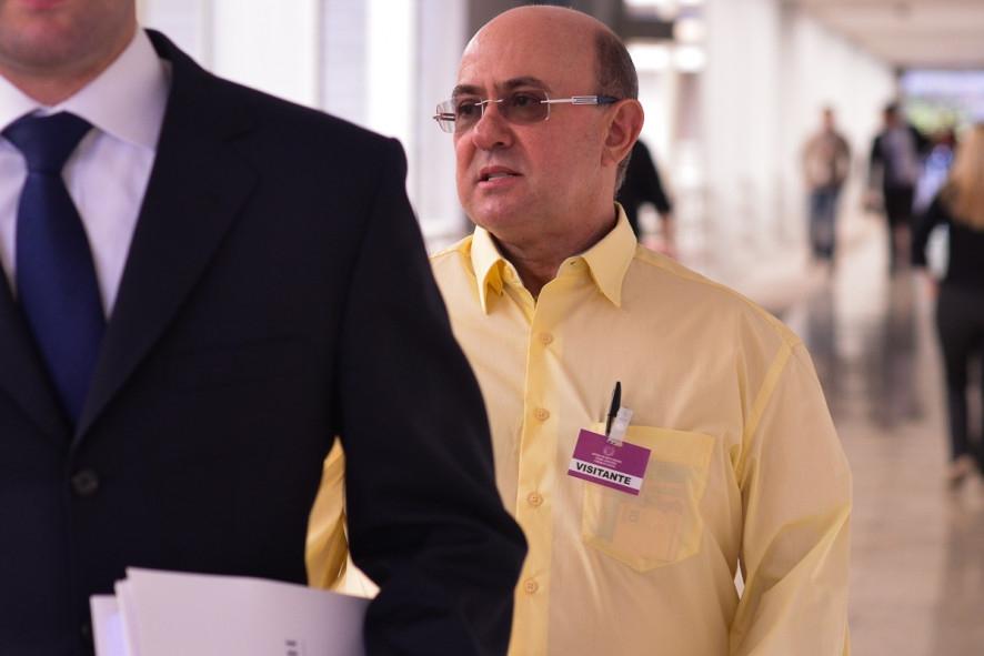 Riva devolverá R$ 92 milhões e fica 2 anos em prisão domiciliar