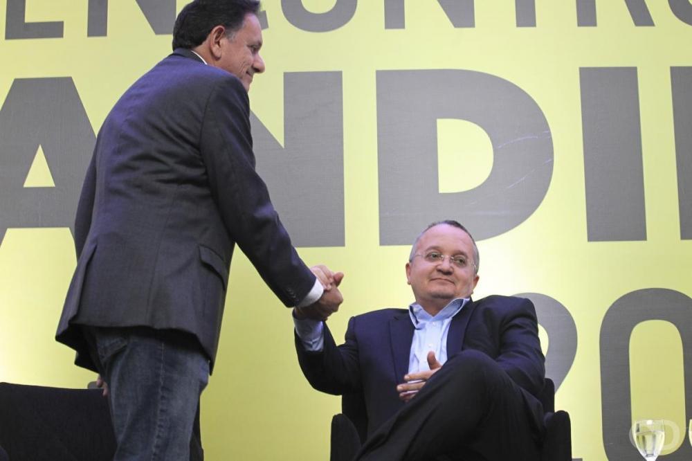 Pedro Taques entra na disputa com Nilson Leitão pelo Senado