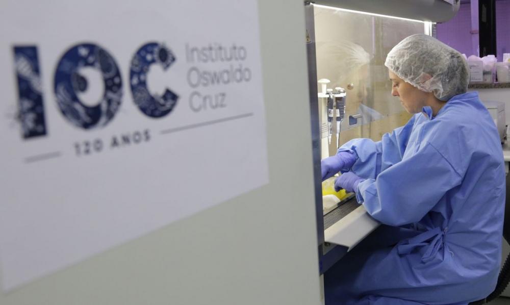 Adolescente testa positivo para Covid-19, mas infecção é assintomática