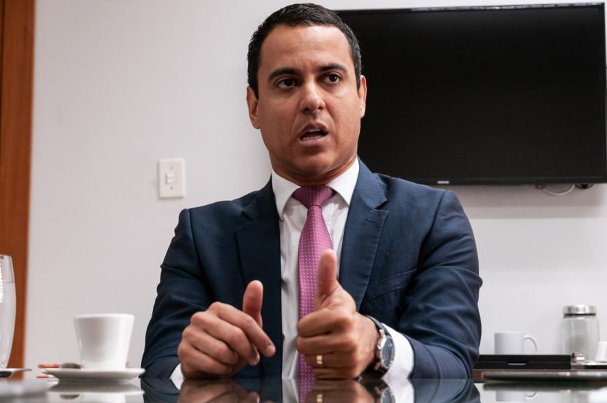 Empresa pede prisão de presidente Ager por descumprir decisão