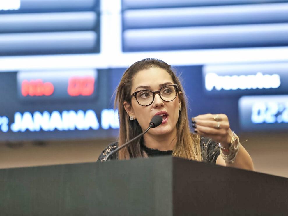 Deputada apresenta projeto de lei para conter aumento da violência contra a mulher durante pandemia