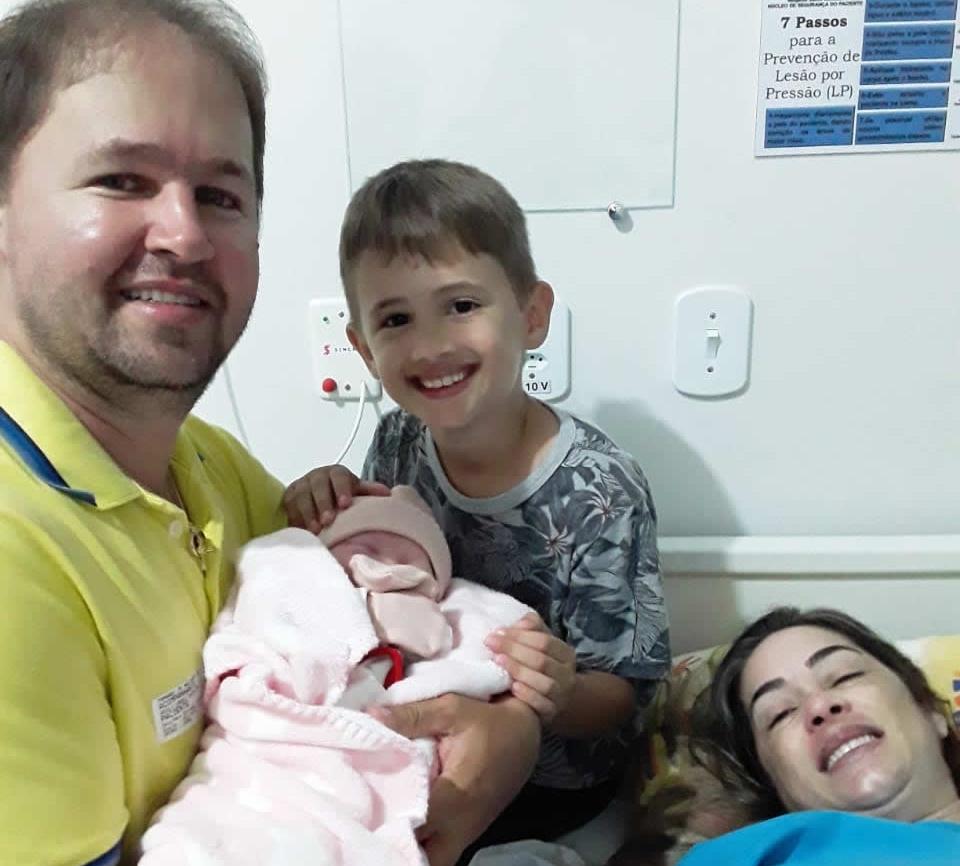 Nasce Heloysa, a filha mais nova do casal Fernando e Ariely Frizon Melo;