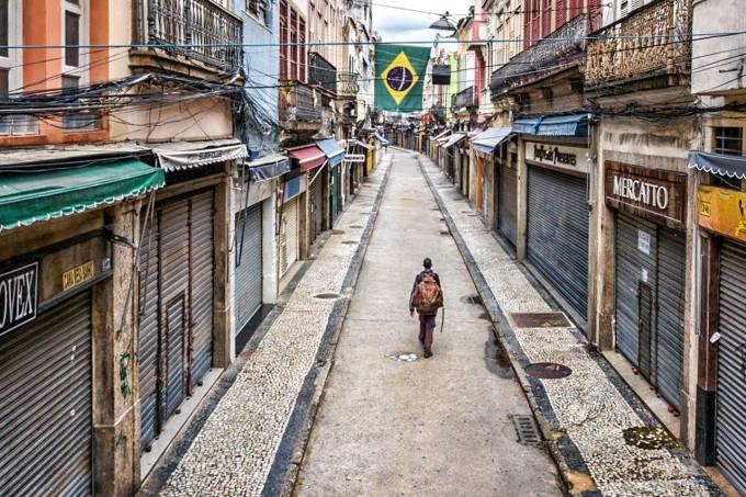 Pandemia de covid-19 no Brasil pode acabar só em novembro, diz estudo