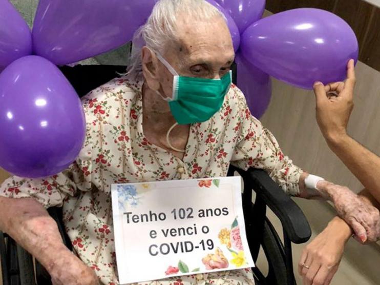 Mulher de 102 anos vence Coronavírus em Mato Grosso e tem alta da UTI