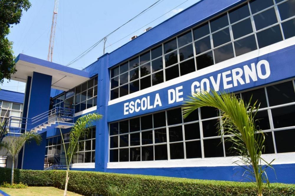 Escola de Governo aumenta em 500% oferta de vagas para cursos a distância