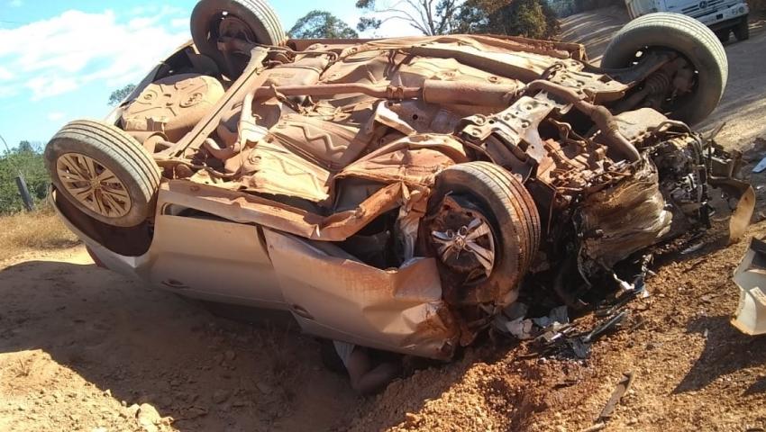 Acidente entre caminhonete e carro na BR-174 em Juruena deixa 1 morto e 5 feridos