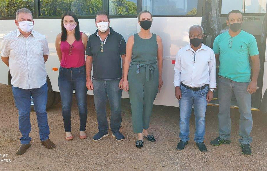 Secretaria de saúde adquire ônibus para transporte de pessoas para tratamento em outras cidades