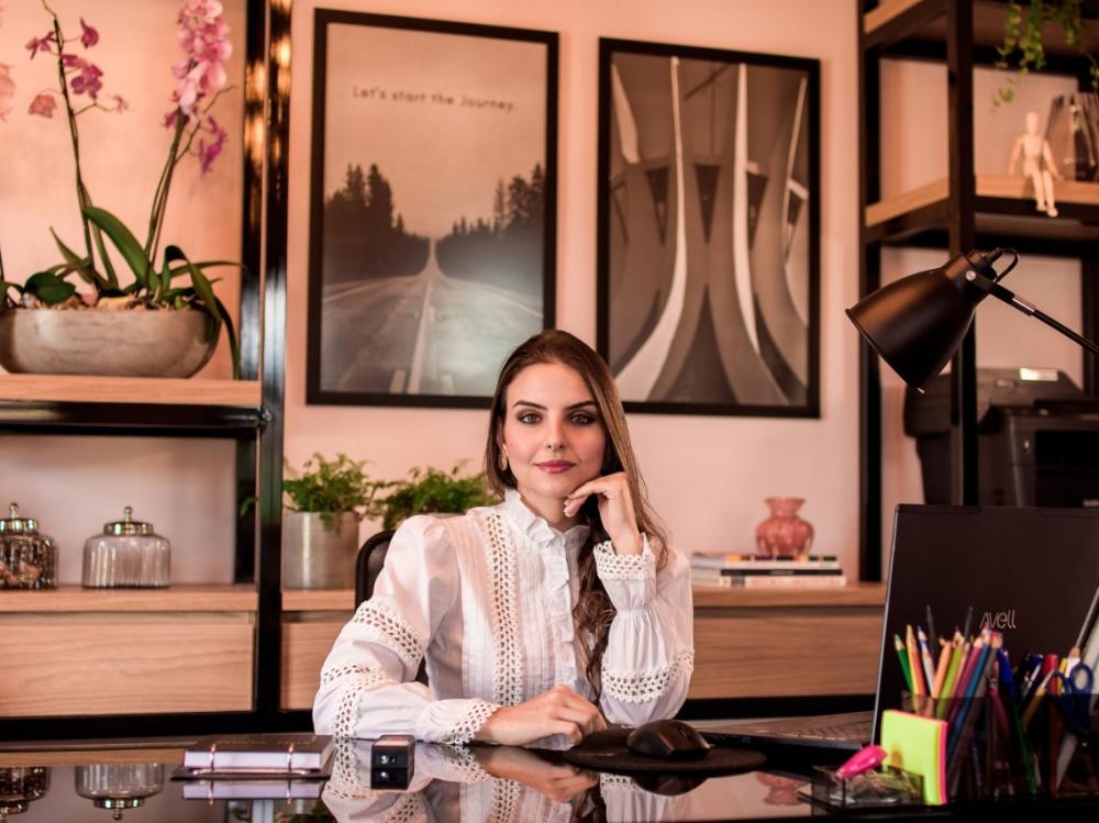 Juara ganha mais uma profissional na área de arquitetura e designer de interiores.