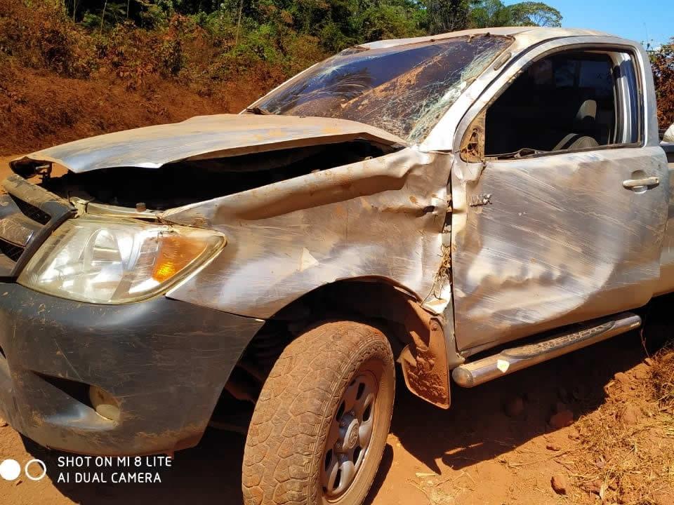 Acidente da estrada de Paranorte deixa caminhonete danifica e ocupantes não se feriram com gravidade