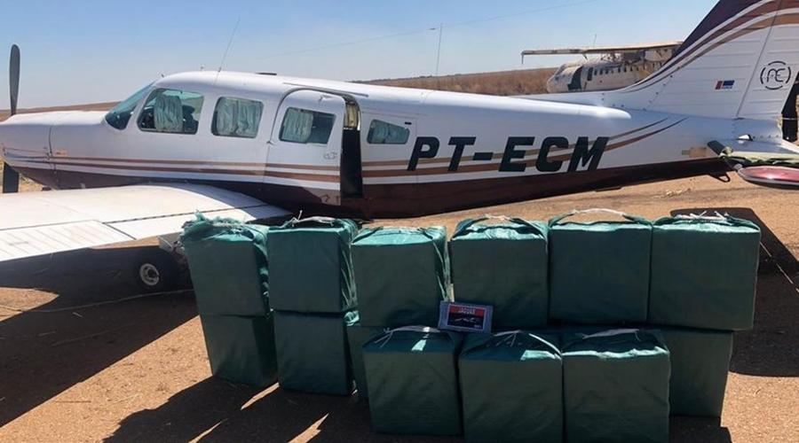 Gefron e Ciopaer atuam em apoio à Polícia Federal em abordagem de aeronave interceptada pela FAB